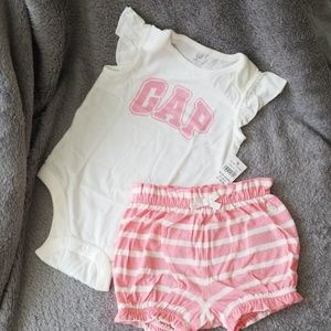 18-24m NWT Gap set Baby girl